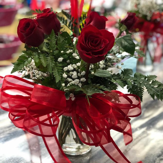 1/2 dozen Red Rose bouquet  w/ Dozen Red Heart Foils