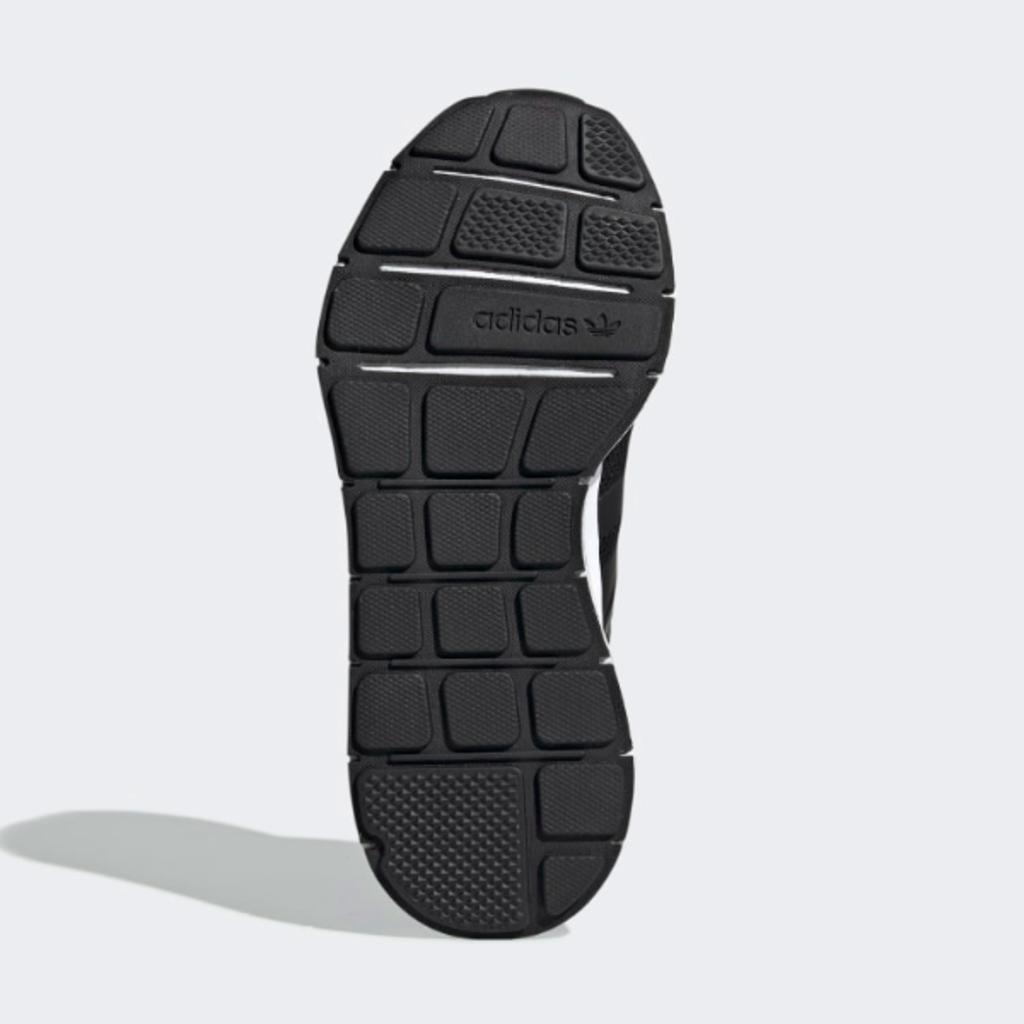 Adidas Adidas Swift Run Black/Blue Youth 6.5 + 7