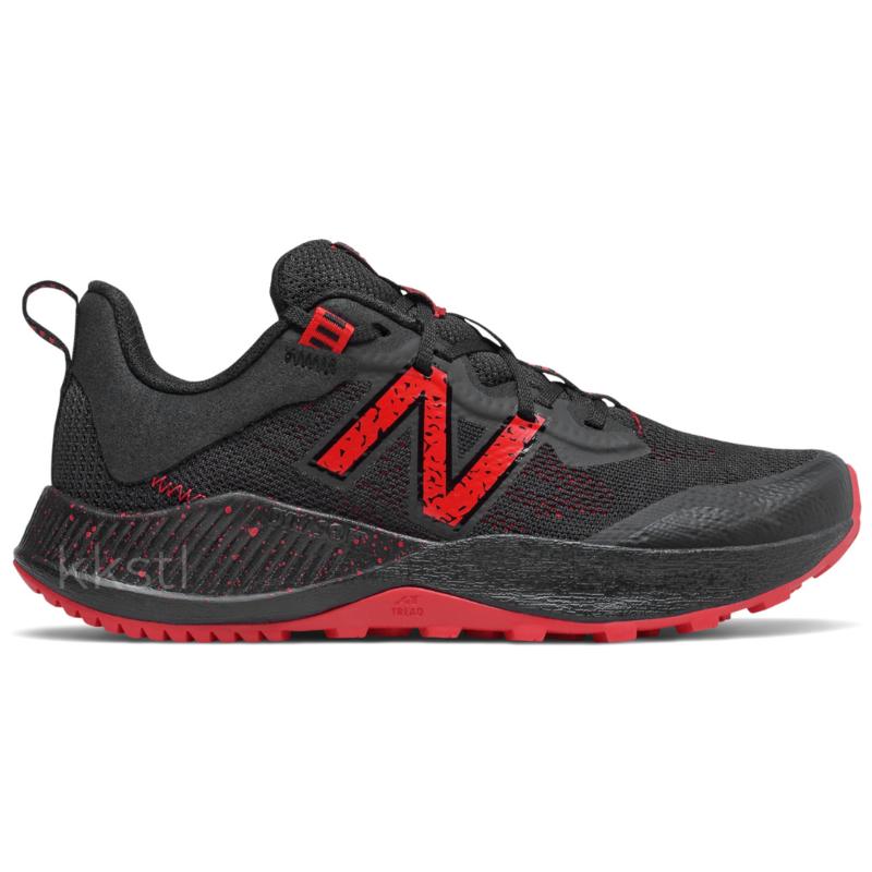 New Balance New Balance Nitrel V4 Black/Energy Red Youth 6.5 + 7