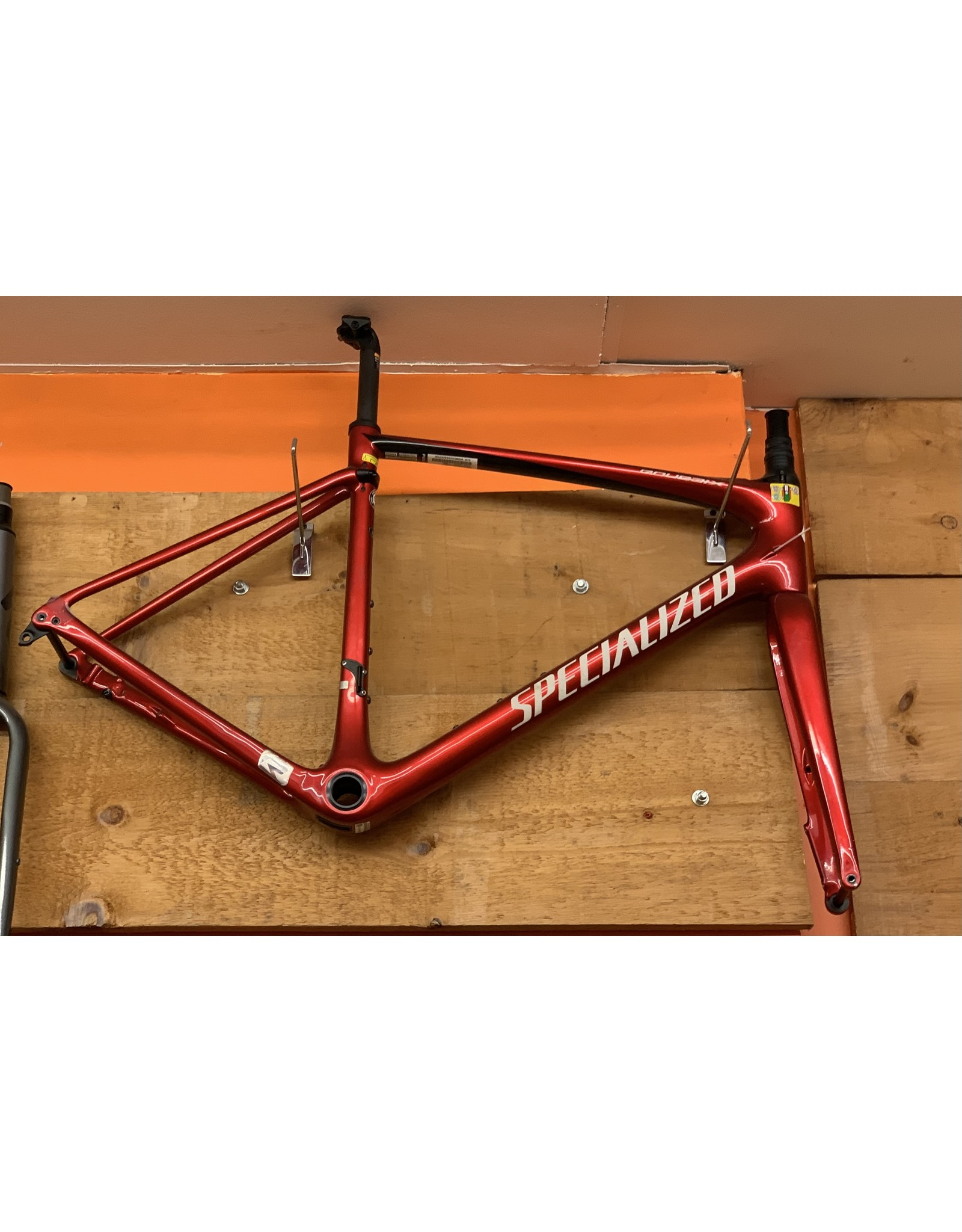 SPECIALIZED Specialized Roubaix Hydro - Gloss/Candy Red/Tarmac Black/Metallic White Silver 56 Frame Set Only