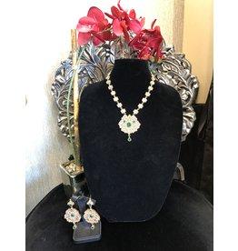 Perahun Circular Gold and Emerald necklace set-23366812