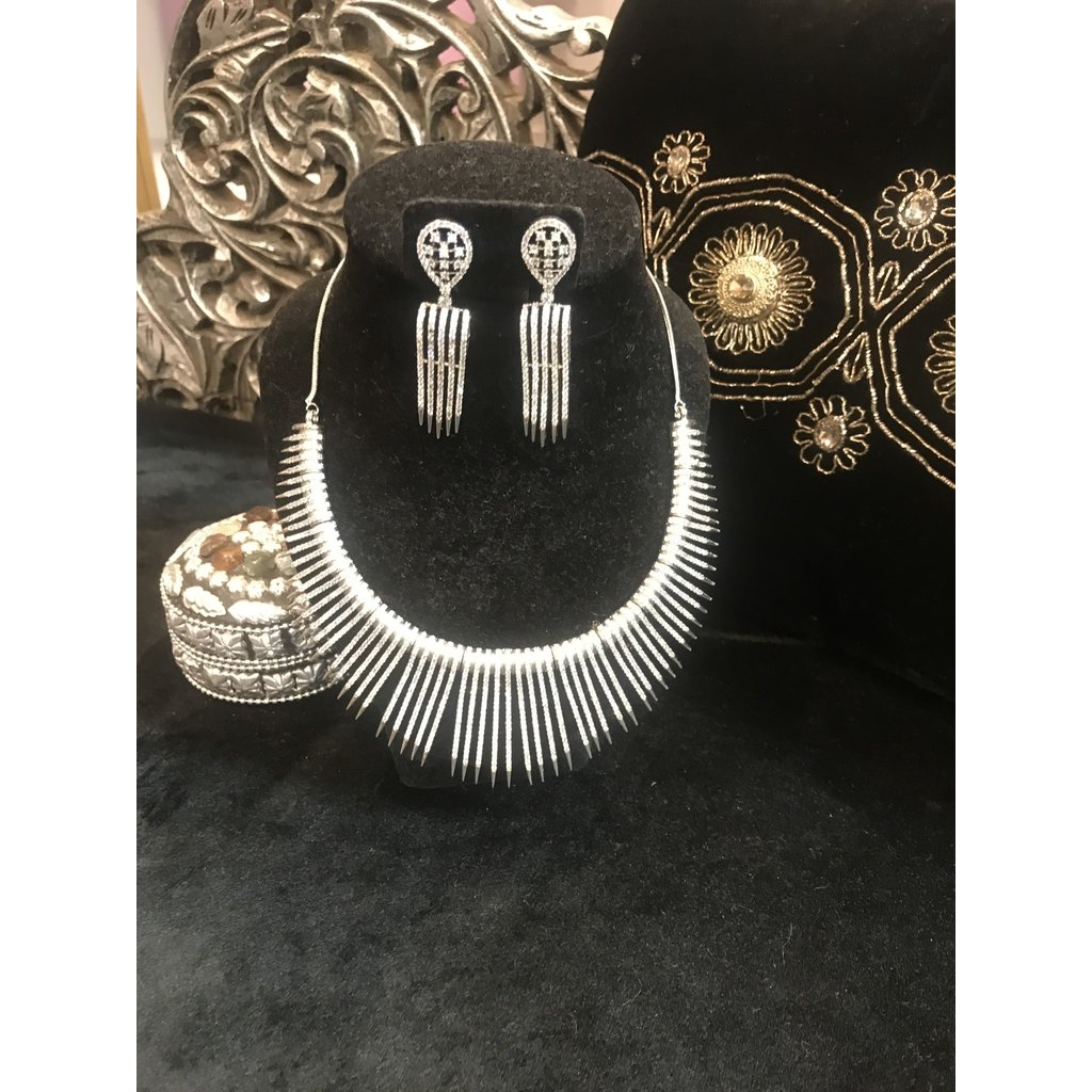 Perahun Silver fang necklace set- 23450012