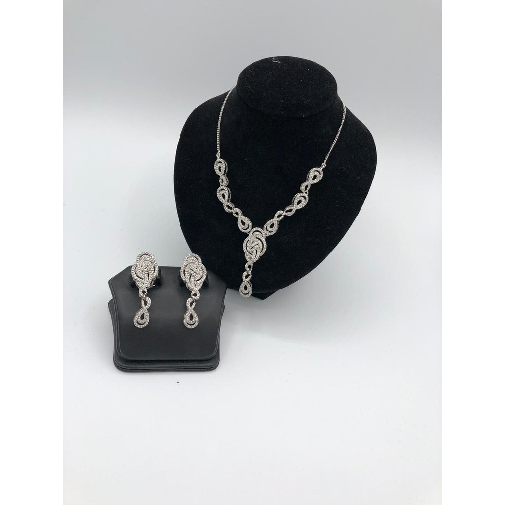 Nadia Chhotani Silver necklace and earring set - ST887
