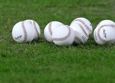 Baseballs / Softballs