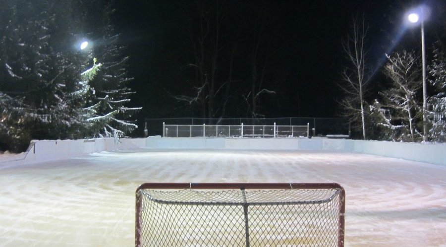 HOW TO MAKE A HOCKEY RINK IN THE BACK YARD