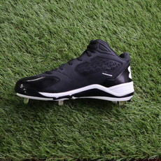 UNDERARMOUR UNDERARMOUR IGNITE MID ST BLACK BASEBALL CLEATS