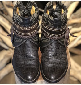 Canty Boots 15