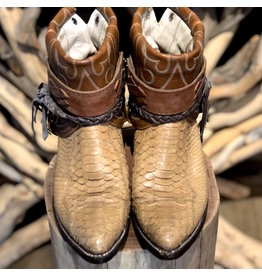 Canty Boots 17