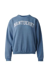 Austins A Nantucket classic! This sweatshit is timeless and cozy! 80% cotton and 20% polyester, prewashed it has a vintage feel.