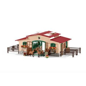Stable w/ Horses and Accessories