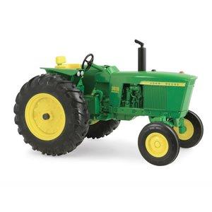John Deere Vintage Tractor
