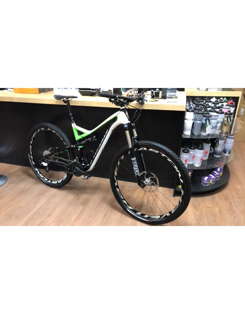 Specialized Stumpjumper Carbon 2012 Large (Usagé)