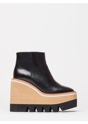 Paloma Barcelo Muriel boot