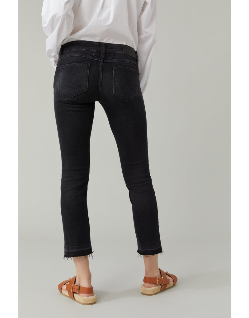 Closed Closed Starlet jean