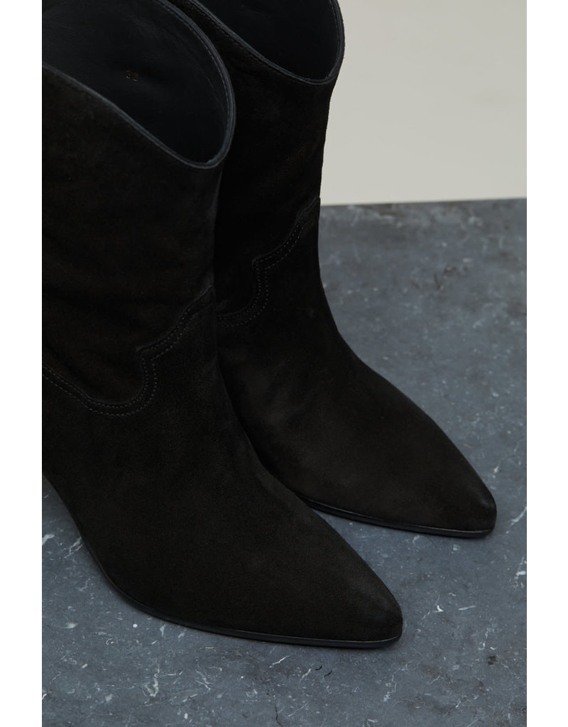 Closed Closed Licorice Suede Boots