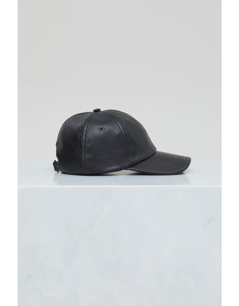 Closed Closed Leather Cap