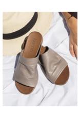 "Bueno Bueno ""Turner"" Slide in Grey Leather"