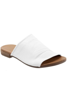"Bueno Bueno ""Turner"" Slide in White Leather"