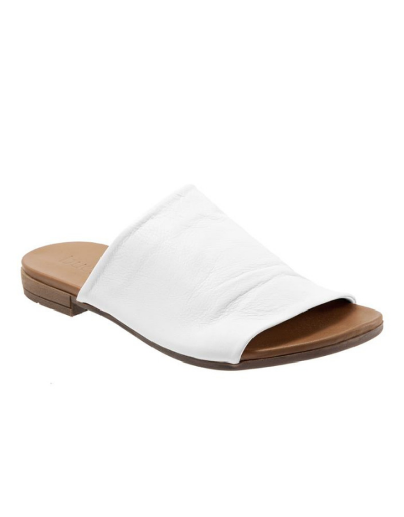Bueno bueno Turner Slide in White Leather