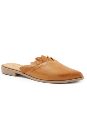 "Bueno Bueno ""Bess"" Mule in Tan Leather"