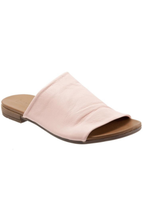 Bueno bueno Turner Slide in Pale Pink Leather Size 36