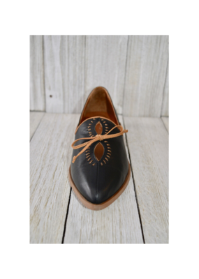 Bueno bueno Baja Shoe in Black & Brown