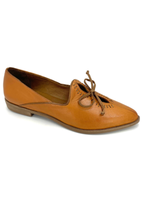 Bueno bueno Baja Shoe in Tan & Brown