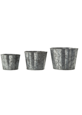 Metal Scalloped Planters