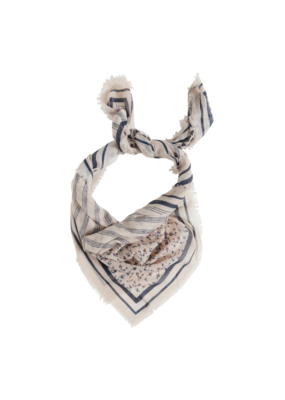 ICHI ICHI Neck Scarf in Spring Grey