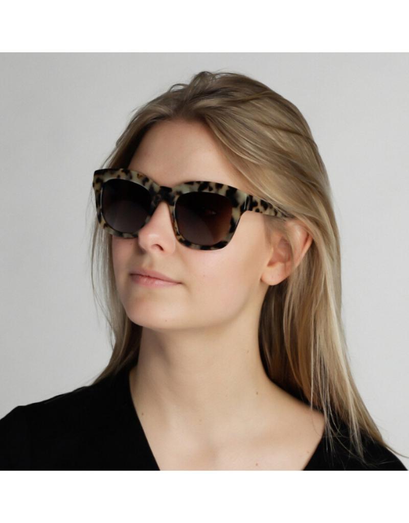 PILGRIM Pilgrim Dael Sunglasses in Grey