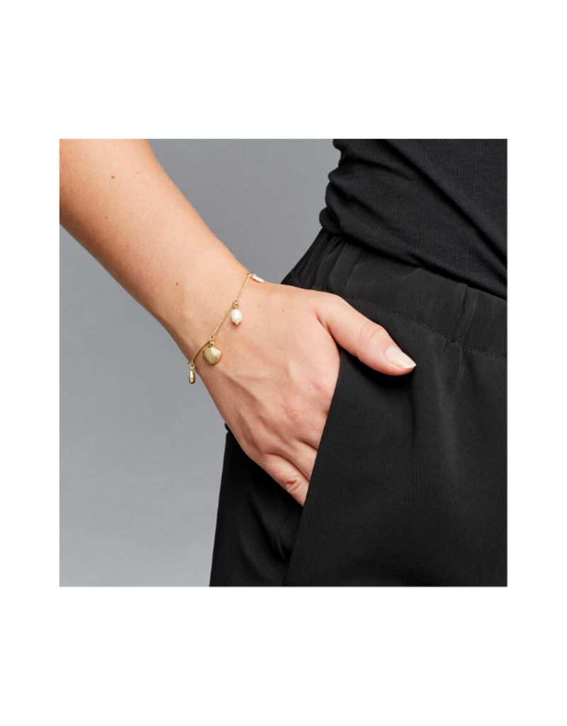 PILGRIM Ocean Love Freshwater Pearl Charm Bracelet in Gold-Plated by Pilgrim