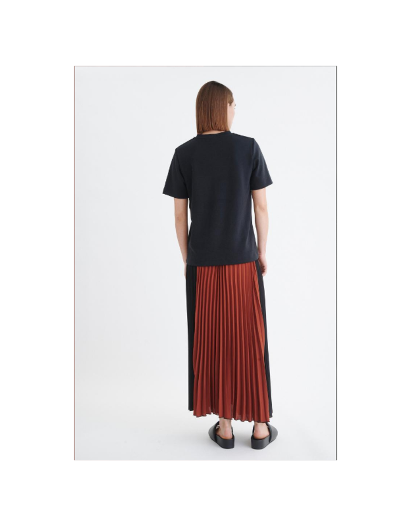 InWear Franka Skirt in Cayenne & Black by InWear