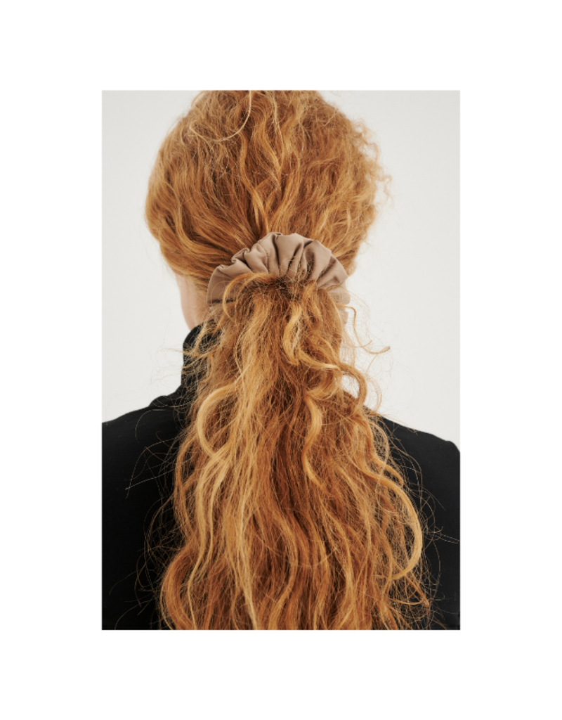 InWear Rejina Leather Hair Scrunchie in Sandstone by InWear