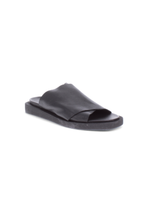 Bueno Jesse Slide in Black Leather by Bueno