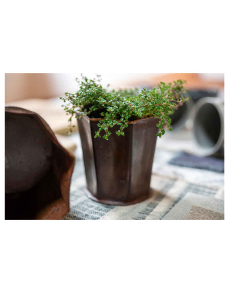 Leather Effect Fluted Pot