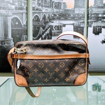 Louis Vuitton Crossbody Pouch Clutch Mono Brown 120090029
