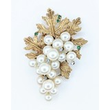 Brooch .06ctw Round Diamonds Pearls/Emeralds 14ky 55mmx38mm 221090019