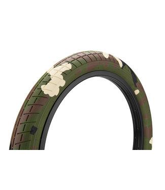 "Mission Tracker Tire 2.4"" Woodland Camo"