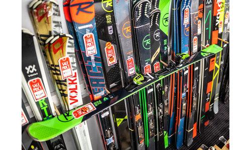 Skis With Bindings
