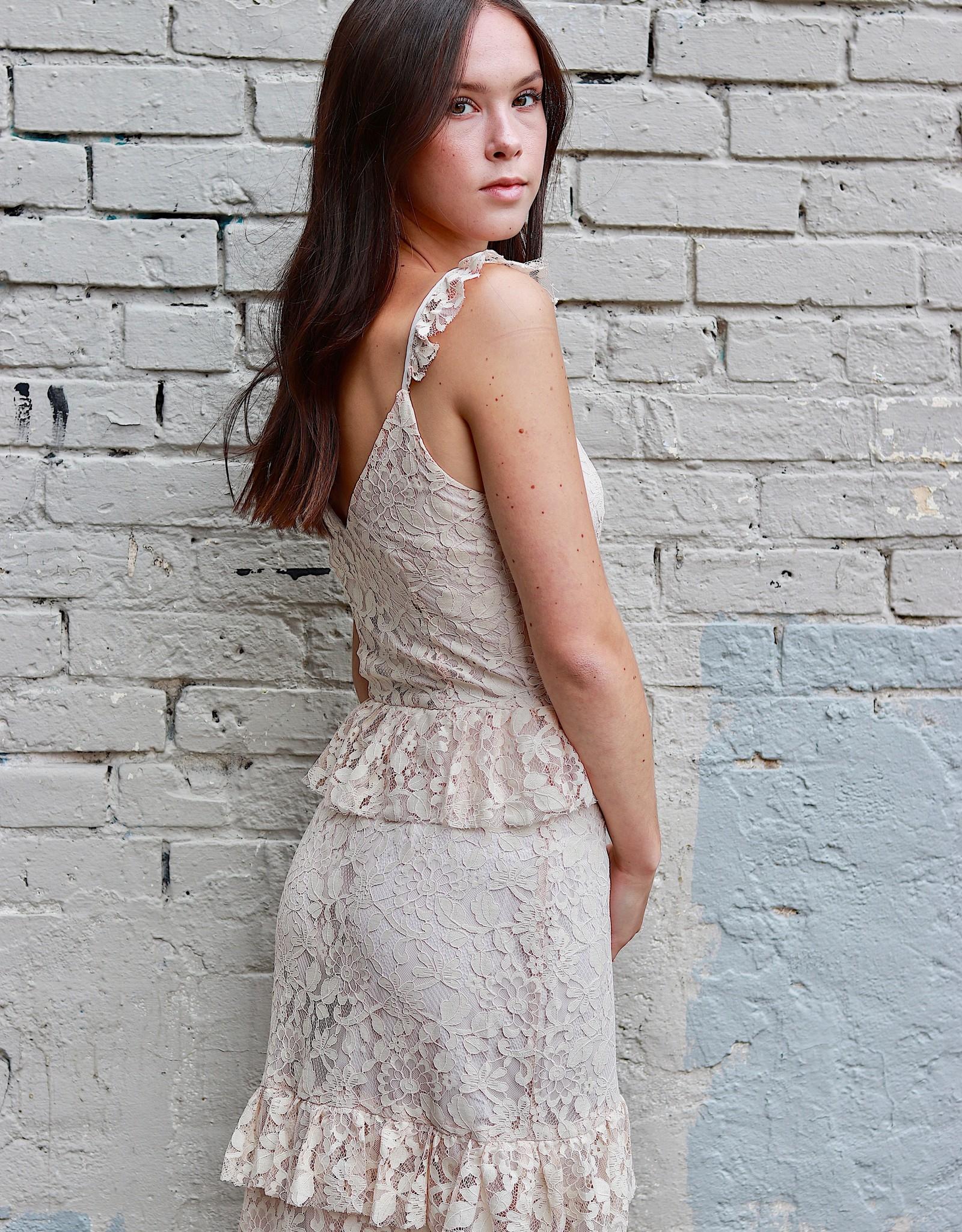FRANCO Lace maxi dress w/ front slit & ruffles
