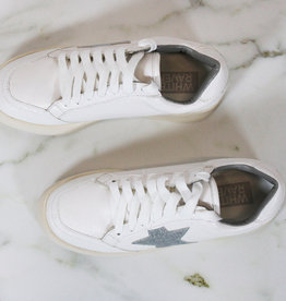HUSH Low top sneakers w/ star