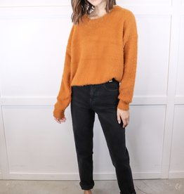 HUSH Fuzzy long slv sweater