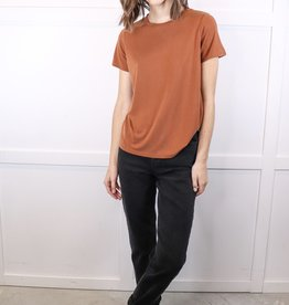 HUSH Basic scoop neck tee