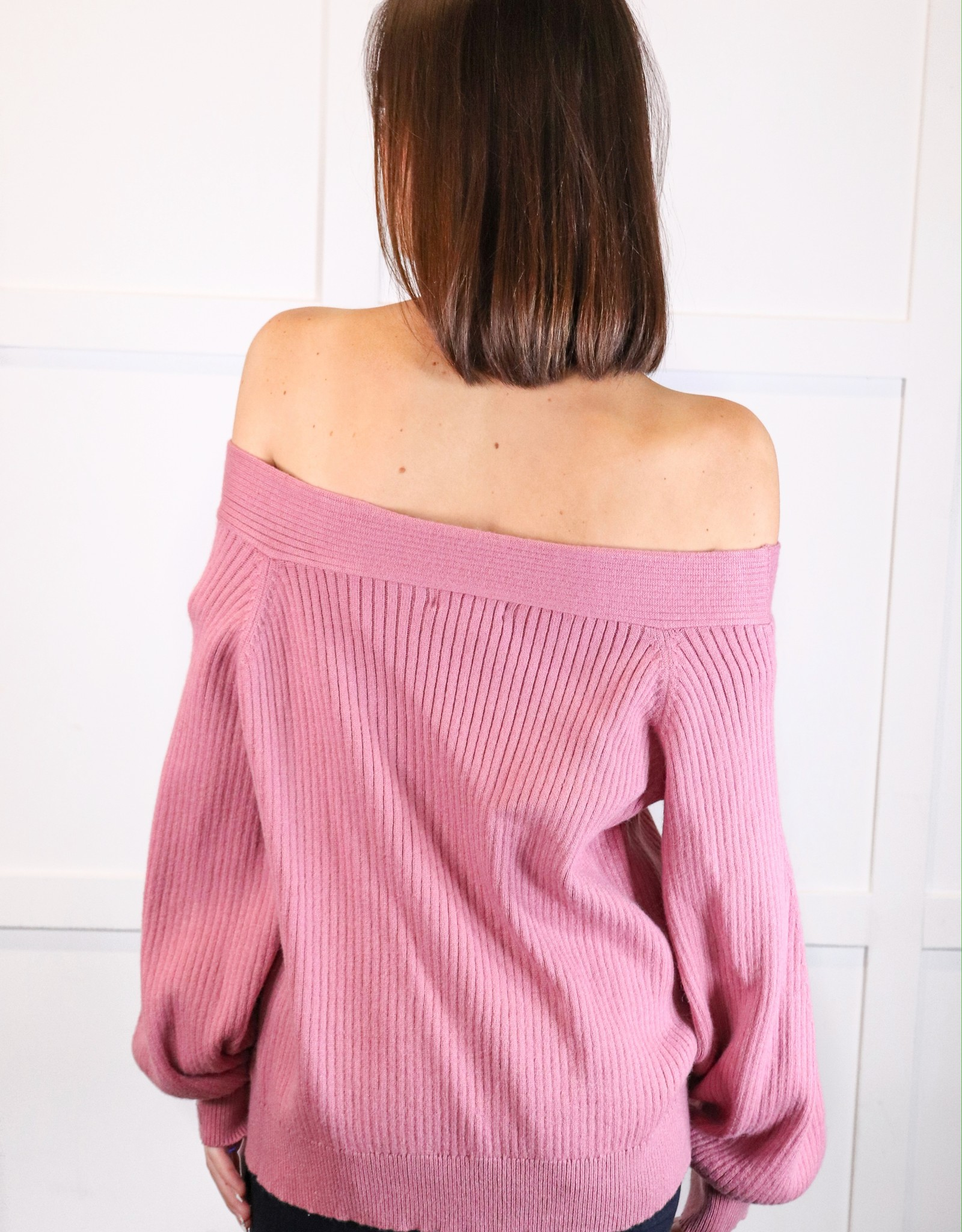 HUSH Off shoulder baloon slv sweater