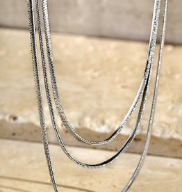 HUSH Triple layered short snake chain necklace