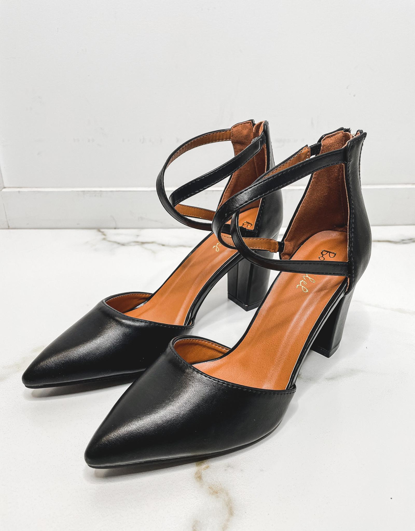 HUSH Block heel, closed toe pump w/ ankle x
