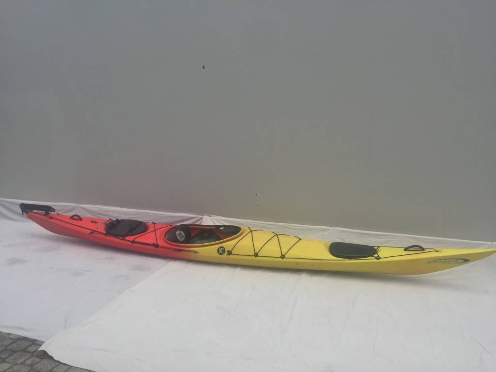 Perception Shadow Red/Yellow 16'8