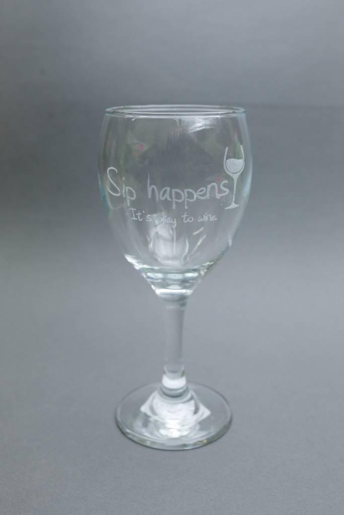 Wine Glass, Engraved Sip Happens