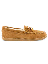 MINNETONKA Sheepskin Hardsole Mens Moccasin