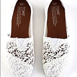 Toms Women Lace Leaves Classic Slip-On Shoes
